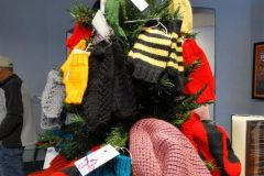 Mitten-and-hat-tree-768x1024